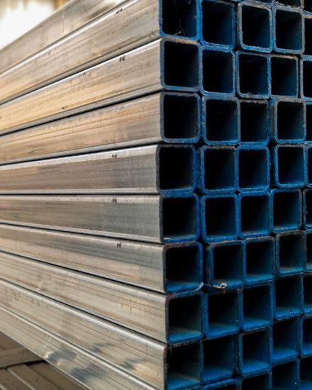 Metalsteelok โรงงานผลิตและจำหน่ายเหล็กกล่องกัลวาไนซ์ คุณภาพดีที่ได้รับมาตรฐานถูกต้อง ในราคาที่ย่อมเยา ทั้งปลีกและส่ง มีบริการจัดส่งทั่วไทย โรงงานอยู่มหาชัย