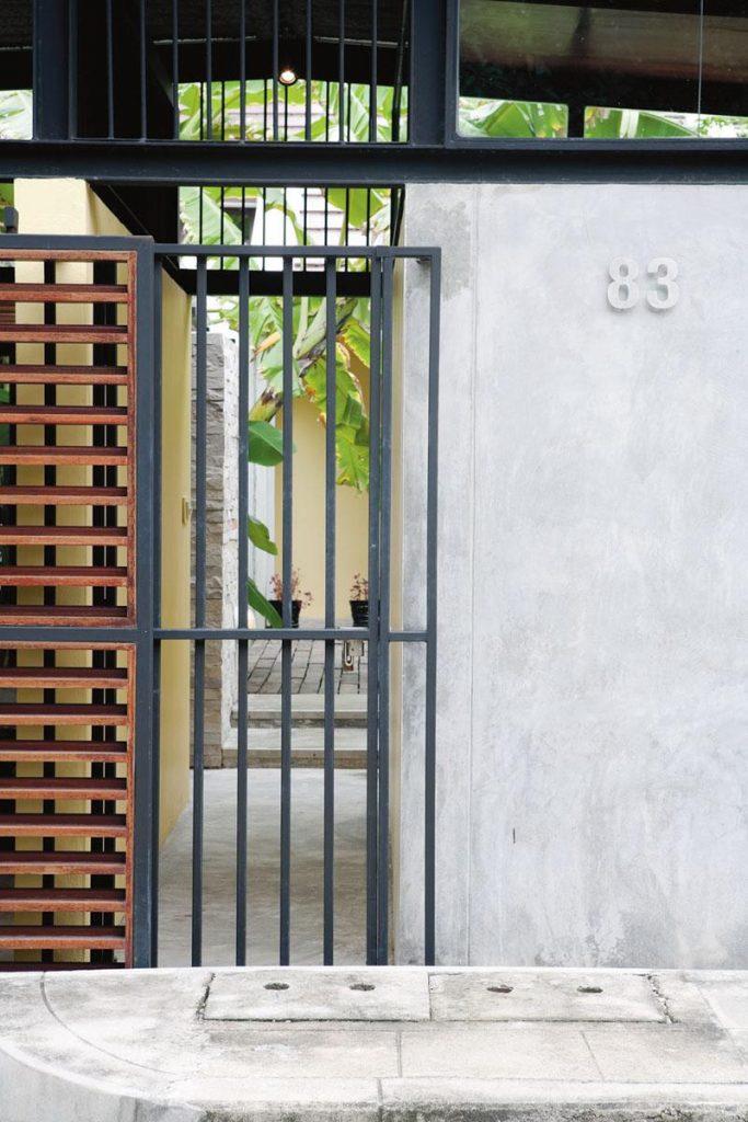 5 ไอเดียประตูบ้านจากเหล็กกล่อง